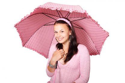 pinker regenschirm